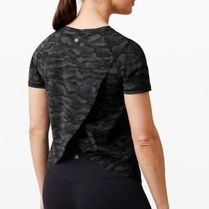 Quick Pace Short Sleeve Sequoia Camo Print